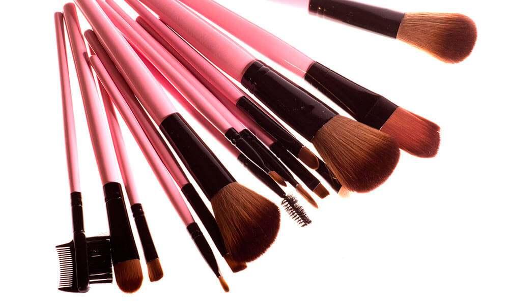 Правильный уход за кистями для макияжа