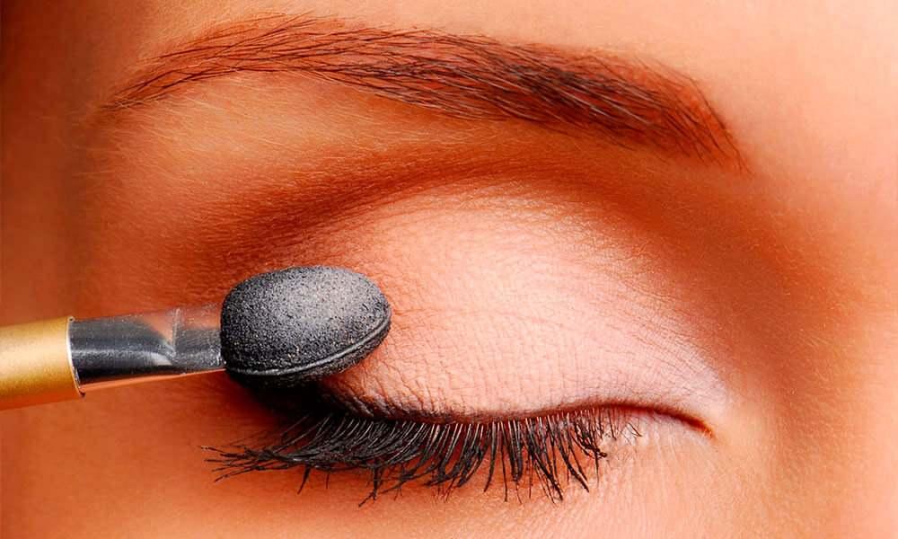 Как выбрать кисти для макияжа глаз?
