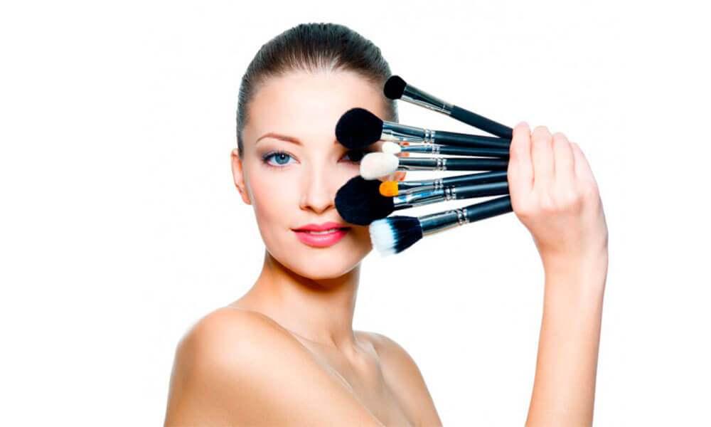 Как выбрать кисти для макияжа лица?
